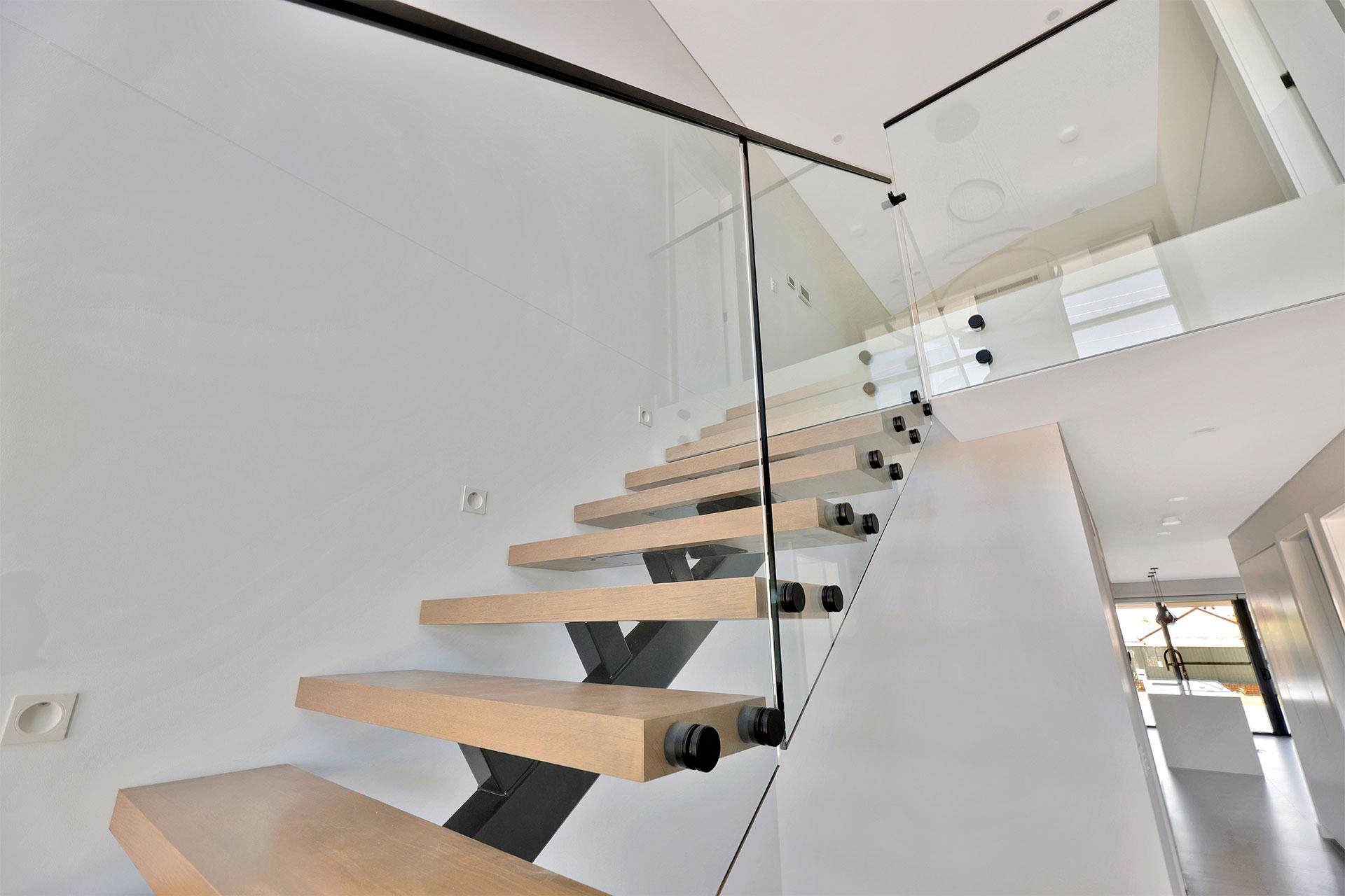 https://starwardrobes.com.au/wp-content/uploads/2021/07/Services-Glass-Balustrade.jpg