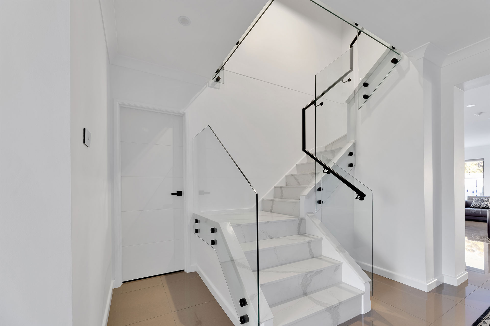 https://starwardrobes.com.au/wp-content/uploads/2021/07/about-staircase-image.jpg